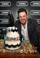 "Las Vegas Entertainer Mark Shunock hosts ""The Space"" Grand Opening"