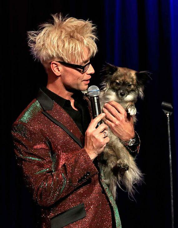 Murray brings his puppy Bailey on stage