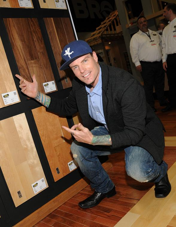 Vanilla Ice Greets Fans in Lumber Liquidators Booth at 2013 Int