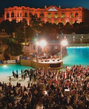 Mandalay Bay's Beach Concert Series Continues to Sizzle
