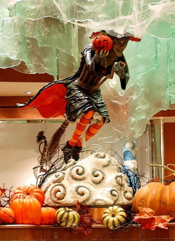 Halloween Flies in to Jean Philippe Pâtisserie at Bellagio