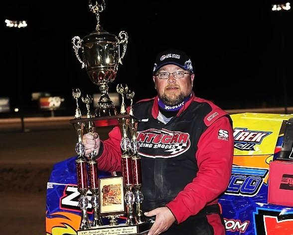 Terry Phillips Wins 7 777 Duel In The Desert At The Dirt Track At Las Vegas Motor Speedway