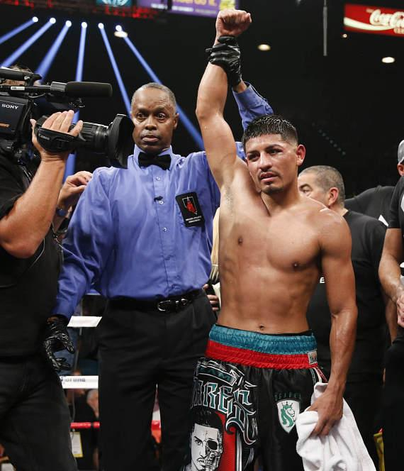 Abner Mares wins unanimous decision victory over Jonathan Oquendo