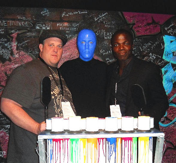 """""""Mike & Molly"""" stars Billy Gardell and Reno Wilson at Blue Man Group Las Vegas"""