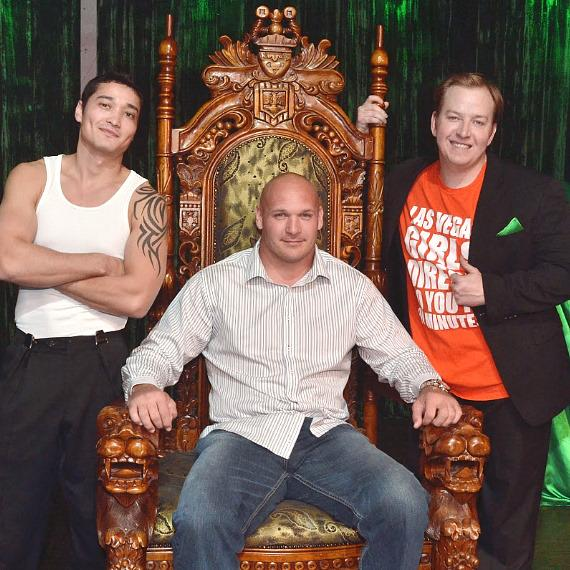 Chicago Bears' Brian Urlacher with cast members of ABSINTHE