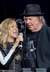 "Photo Gallery: ""Light Up The Blues"" in LA with Neil Young, Stephen Stills, Beck, Patti Smith, Sheryl Crow and More…"