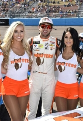 NASCAR Driver Chase Elliott to Deal Blackjack and Host a Pit Party at Hooters Casino Hotel Las Vegas