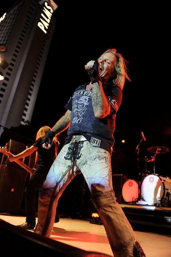 Vince Neil rocks the Palms Pool & Bungalows with poolside concert
