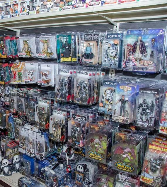 Warcraft, Gears of War and other popular action figures