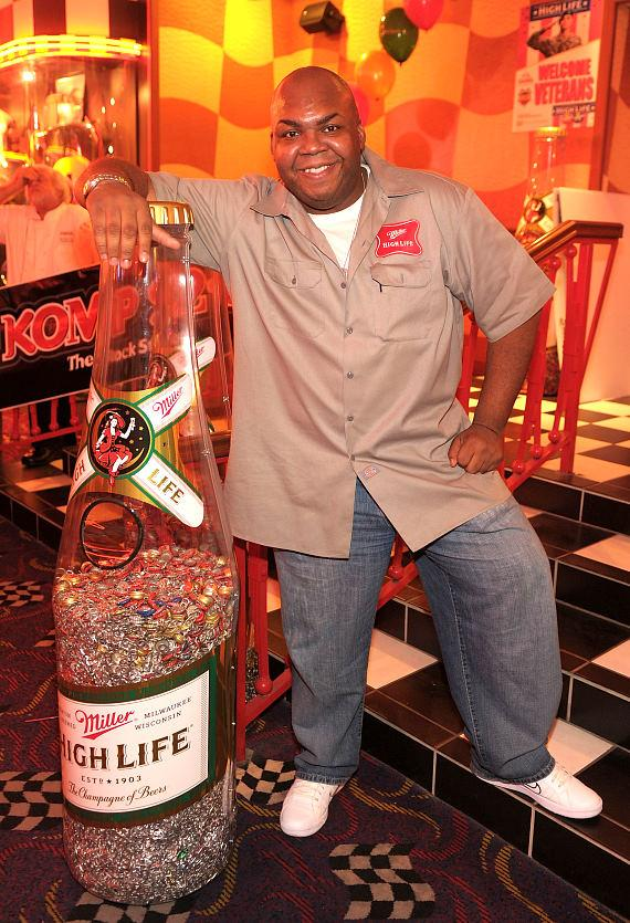 High Life deliv­ery guy Windell Middlebrooks