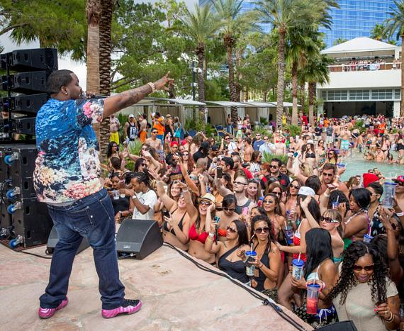 Sean Kingston performs at REHAB Pool Party at Hard Rock Las Vegas