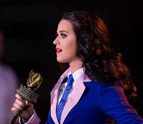 Katy Perry performs at President Obama rally in Las Vegas