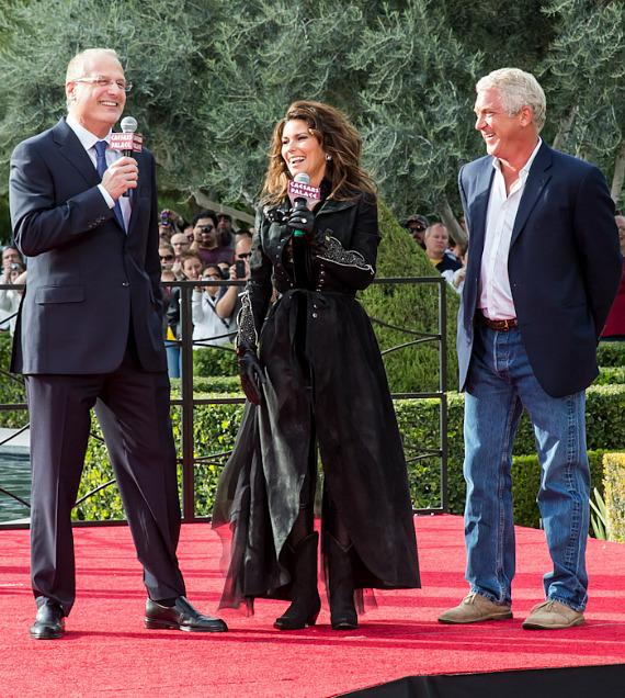 Shania Twain with Caesars Palace President Gary Selesner & co-CEO and president of AEG Live/Concerts West John Meglen