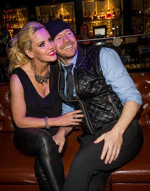 Jenny McCarthy Enjoys Thanksgiving Weekend at Hard Rock Hotel & Casino Las Vegas