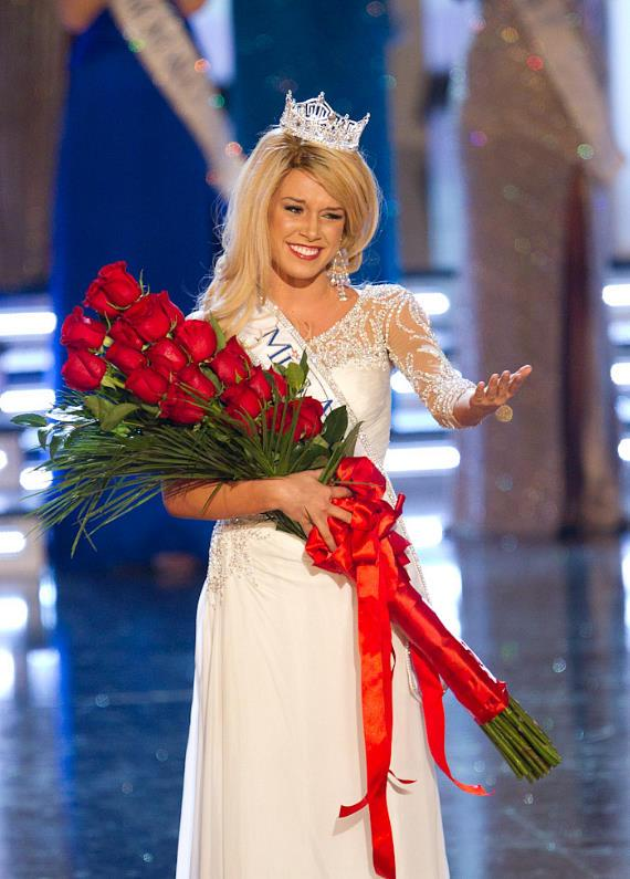 Teresa Scanlan of Nebraska Crowned 2011 Miss America at Plant Hollywood