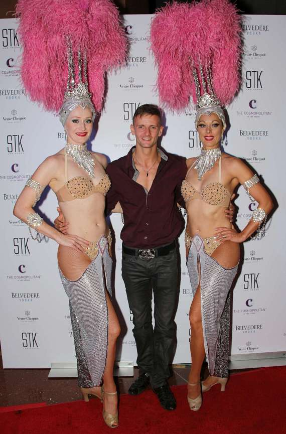 Las Vegas Showgirls with Michal Furmanczyk  of Absinthe