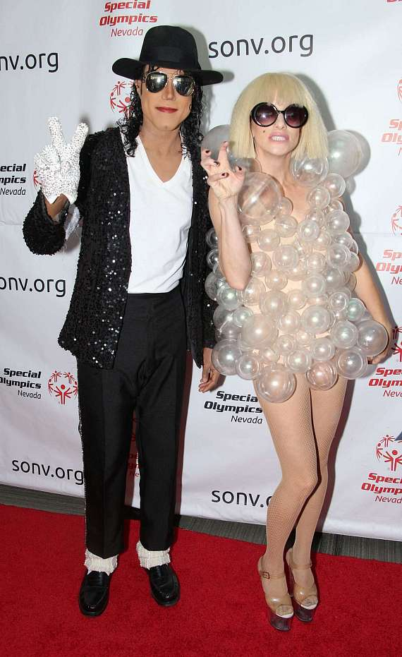 Michael Jackson and Lady Gaga cast members from Legends in Concert