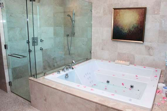 Palms Place By Airp Las Vegas Indoor Spa Tub
