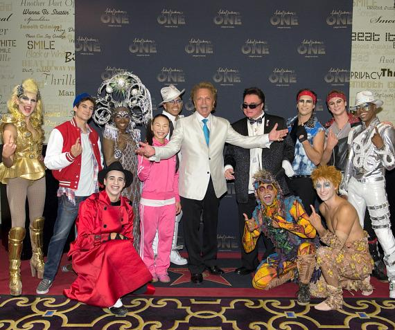 Siegfried & Roy with the cast of Michael Jackson ONE by Cirque du Soleil at Mandalay Bay Resort and Casino
