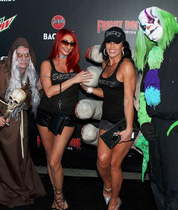 Cast members of Sexxy on Fright Dome's Black Carpet