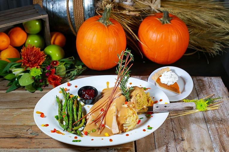 Let Hash House Do the Cooking This Thanksgiving! Dine in or Enjoy the Feast at Home With Turkey to Go Go