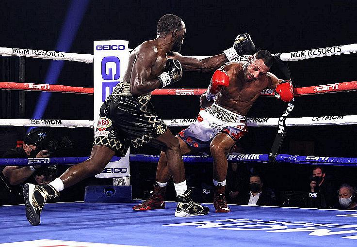 Terence Crawford KOs Kell Brook in 4; Franco-Moloney 2 Ends in Controversy
