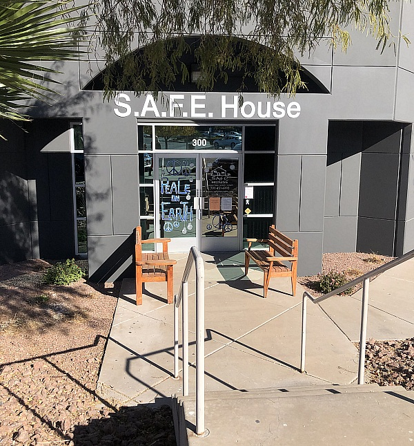 S.A.F.E. House Families Receive Holiday Cheer from the Henderson Chamber of Commerce