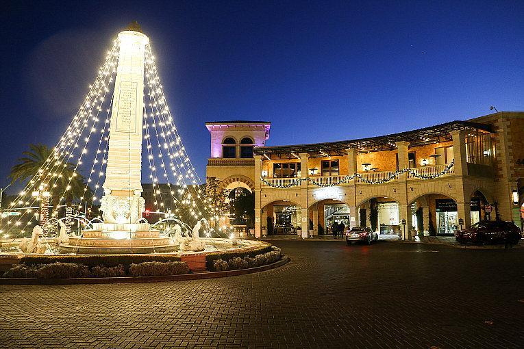 Enjoy the Holiday Season With Socially Distanced Events in December at Tivoli Village