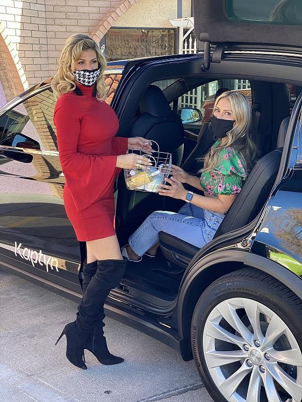 """""""The Real Housewives of Orange County"""" Star, Alexis Bellino, Surprises Curbside Shoppers Stocking Up on Products at Beauty Kitchen Boutique"""