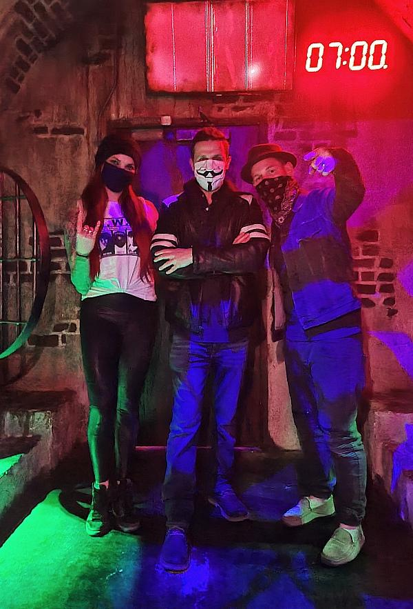 Corey Taylor, Lead Vocalist of Slipknot and Stone Sour, Visits The Official SAW Escape in Las Vegas