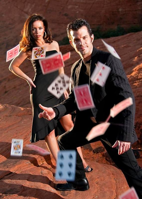 Celebrated Illusionists Kyle and Mistie Knight to Perform at Suncoast Showroom in Las Vegas
