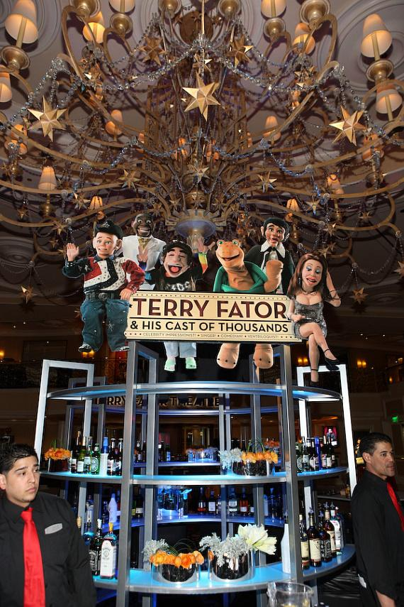 Sign for Terry Fator & His Cast of Thousands