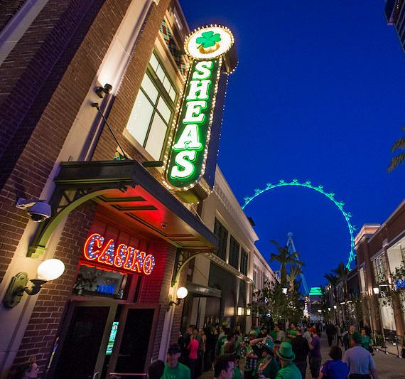 O'Sheas with High Roller observation wheel in background