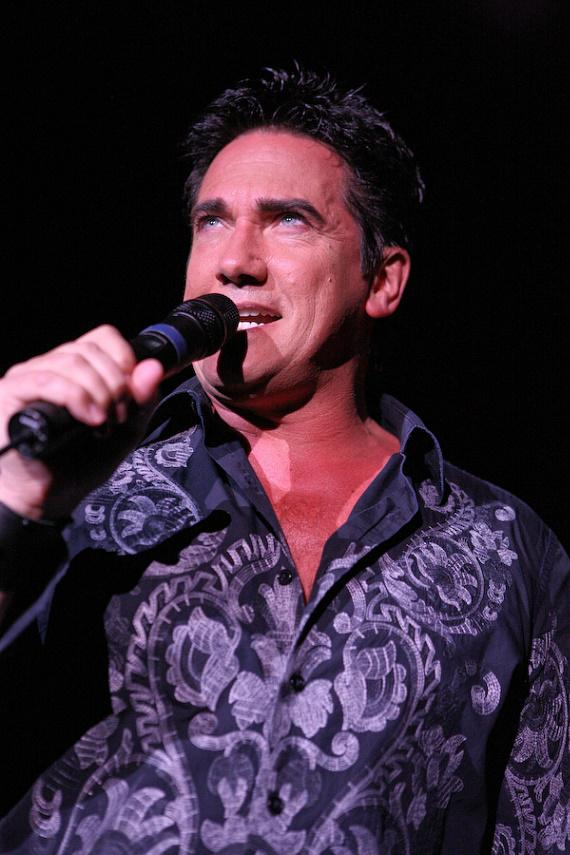 Gordie Brown performs at the Golden Nugget