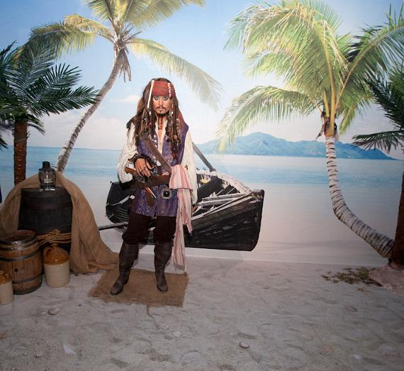 Madame Tussauds Unveils Wax Figure of Johnny Depp as Captain Jack Sparrow