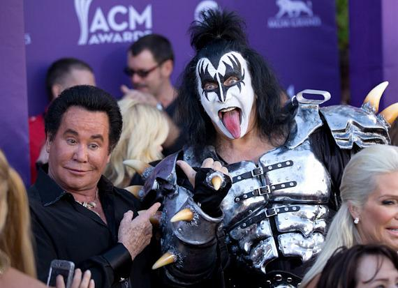 Wayne Newton and Gene Simmons meet on the red carpet at the ACM Awards.