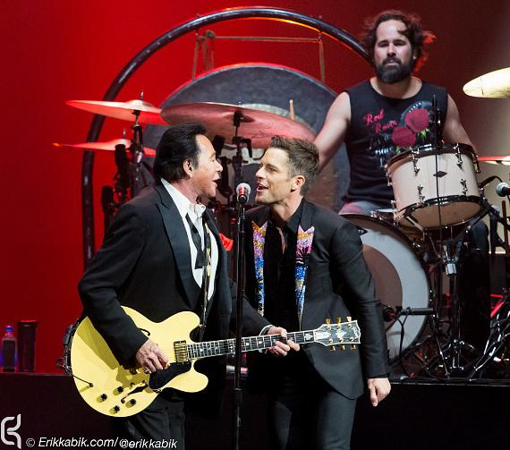 Wayne Newton performs with The Killers