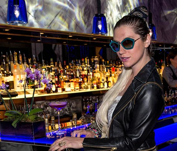 Ke$ha dines at Hakkasan Nightclub and Restaurant in Las Vegas