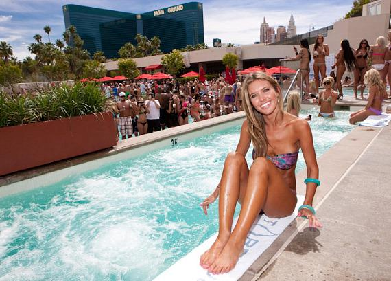 Audrina Patridge celebrates 26th birthday at WET REPUBLIC