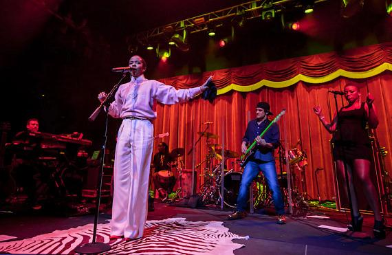 Ms. Lauryn Hill performs at Brooklyn Bowl Las Vegas at The LINQ