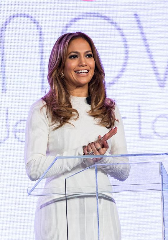 Jennifer Lopez announces Verizon Wireless' New Viva Movil at Venetian Resort Hotel