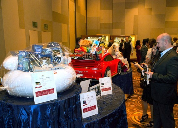 """Grant A Gift Celebrates 7th Annual """"Fashion for Autism"""" with Stylish Soiree on November 5 at the Aria Resort & Casino"""