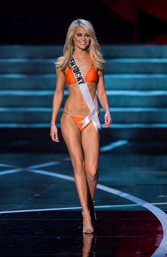 Miss Kentucky in Miss USA 2013 swimsuit competition