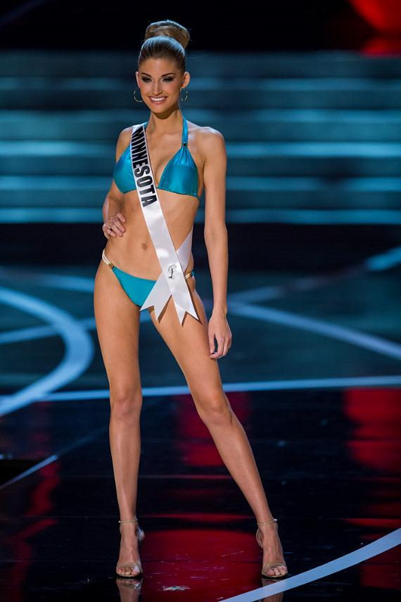 Miss Minnesota in Miss USA 2013 swimsuit competition
