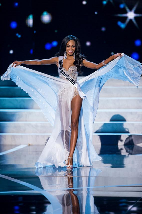 Miss North Carolina in Miss USA 2013 evening gown competition