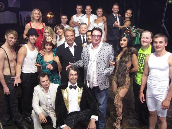 Siegfried & Roy with cast of Absinthe in Las Vegas