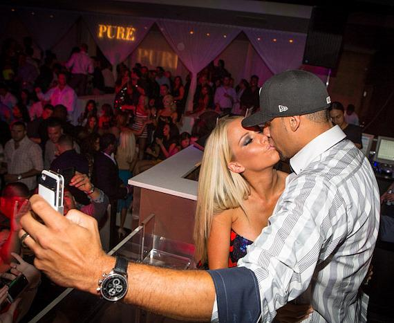 Kendra Wilkinson Baskett And Hank Baskett Kiss At Pure Nightclub