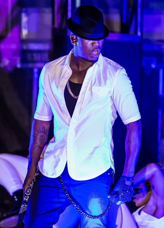 Ne-Yo performs at Boulevard Pool at The Cosmopolitan of Las Vegas