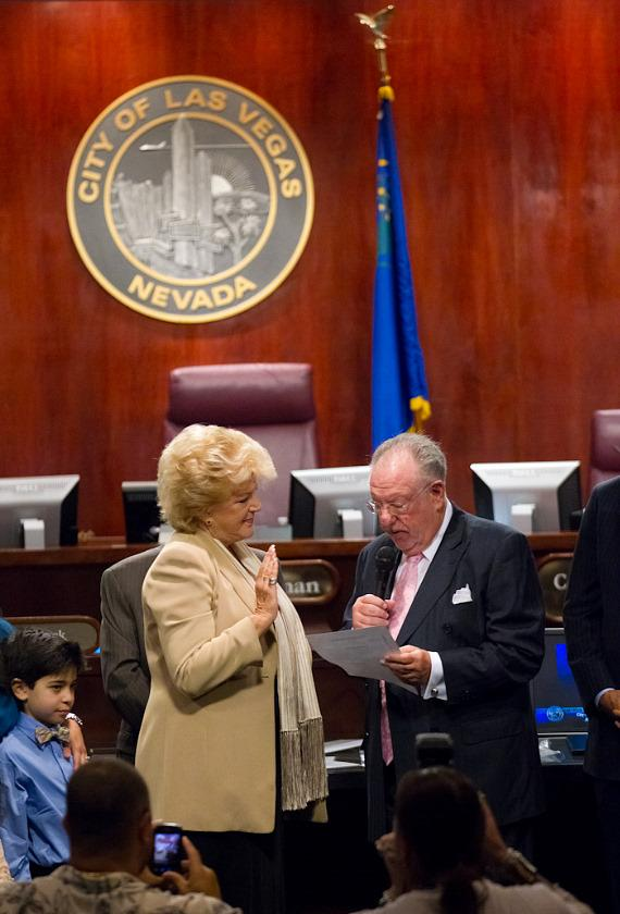 Oscar B. Goodman swears in his wife Carolyn G. Goodman as new mayor