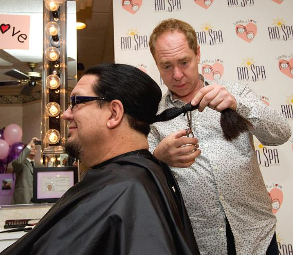 Teller cuts off Penn's pony tail